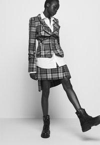 Vivienne Westwood - ALCOHOLIC JACKET - Blazer - multi-coloured - 5