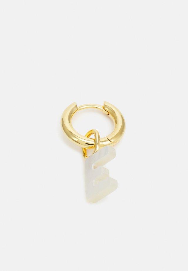 LUCID LETTER HUGGIE E - Oorbellen - gold-coloured