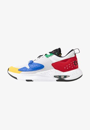 AIR CADENCE - Zapatillas - white/game royal/black/gym red/pine green