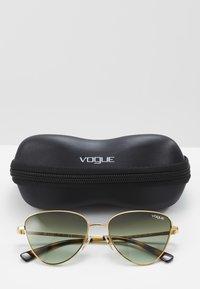 VOGUE Eyewear - Occhiali da sole - gold-coloured/green - 2