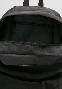 Ellesse - Rucksack - black/charcoal - 4