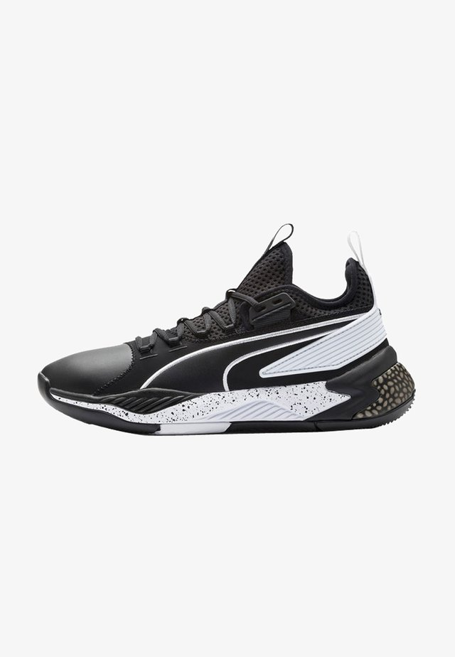 Basketball shoes - puma black