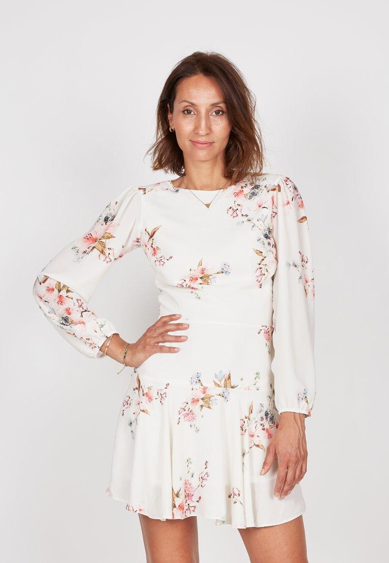 True Violet - Day dress - off-white