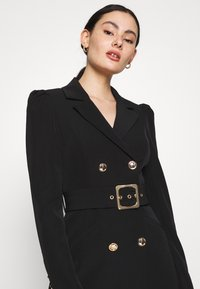 Forever New - BERNADETTE BELTED BLAZER DRESS - Hverdagskjoler - black - 3