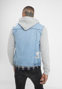 Redefined Rebel - FUNDA JACKET - Kurtka jeansowa - light denim - 2