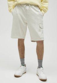 PULL&BEAR - Shorts - white - 0
