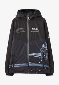 PULL&BEAR - Zimní bunda - black - 6