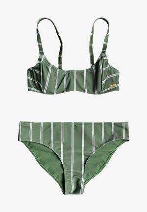 Bikini - vineyard green will stripes