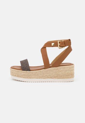 LOWRY WEDGE - Platform sandals - brown