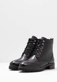 mint&berry wide fit - Lace-up ankle boots - black - 4