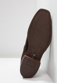 R. M. WILLIAMS - COMFORT CRAFTSMAN SQUARE G FIT - Classic ankle boots - chocolate - 4