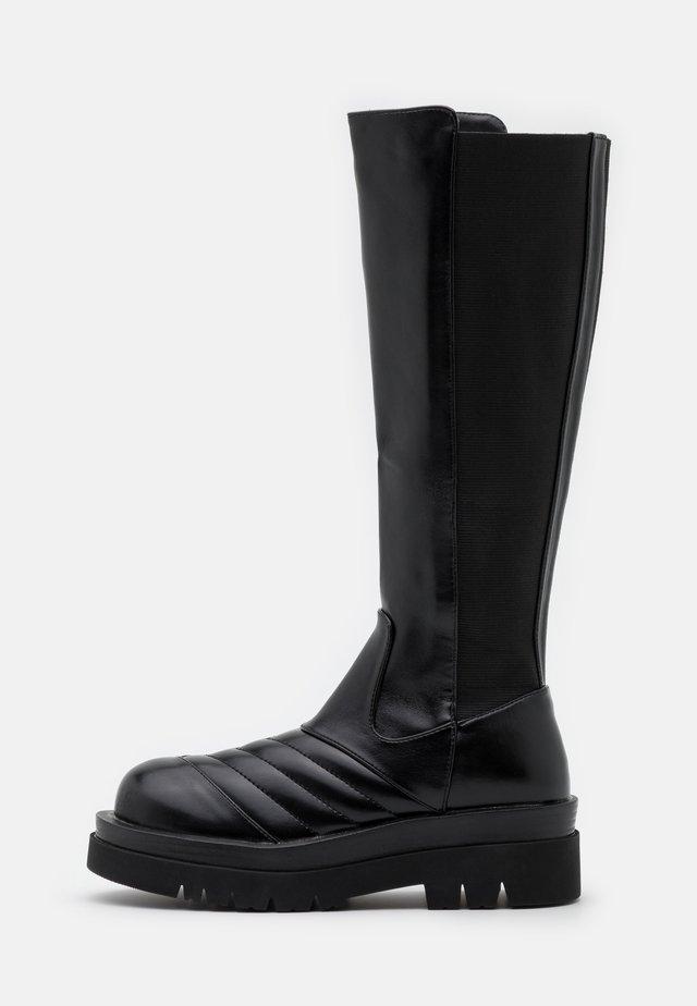 PINNACLE - Platåstøvler - black