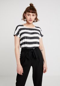 Vero Moda - VMWIDE STRIPE TOP  - Print T-shirt - black/snow white - 0