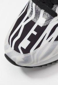 Bikkembergs - HECTOR3 - Trainers - black/white - 5