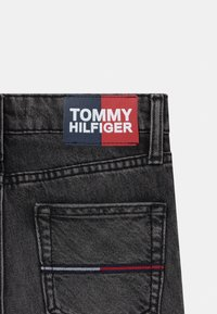 Tommy Hilfiger - SPENCER SLIM TAPERED - Jean slim - grey denim - 2