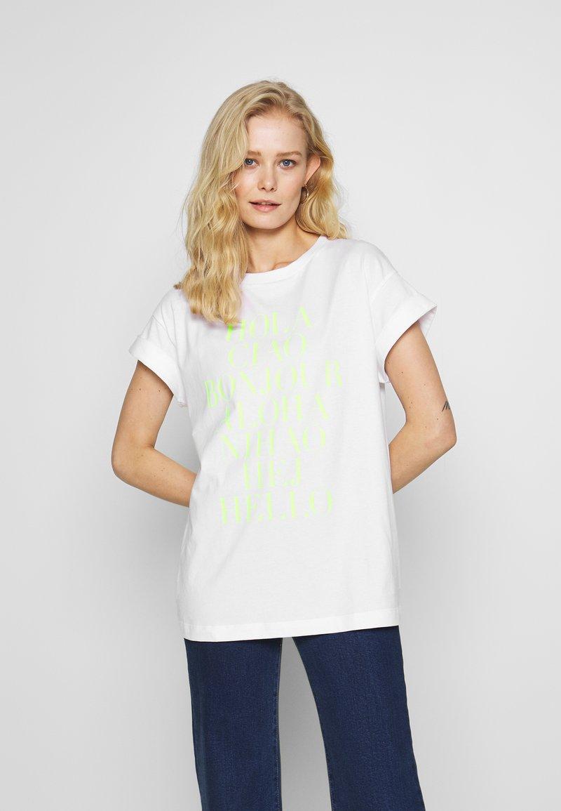 Rich & Royal - HELLO - Print T-shirt - neon yellow