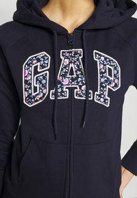 GAP - NOVELTY - Zip-up hoodie - navy uniform - 5