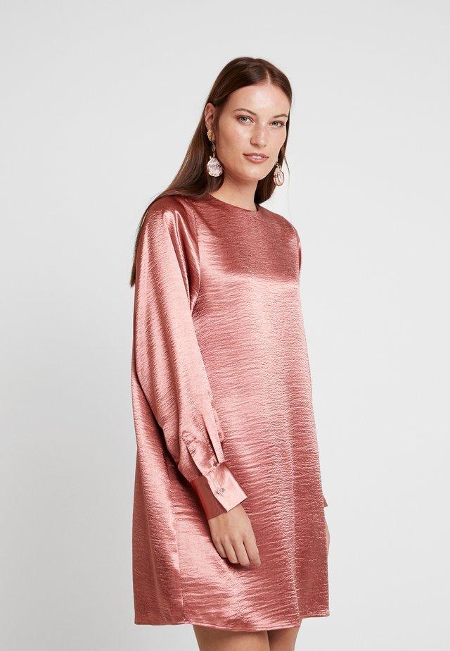 DRESS IRENE - Vapaa-ajan mekko - light mahogany
