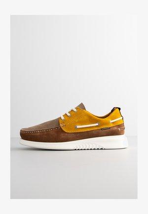 GERITT - Boat shoes - yellow multi