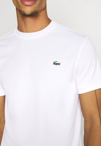 Lacoste Sport - TENNIS - T-shirt basic - white - 5