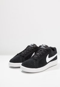Nike Sportswear - COURT ROYALE SUEDE - Trainers - black/white - 2