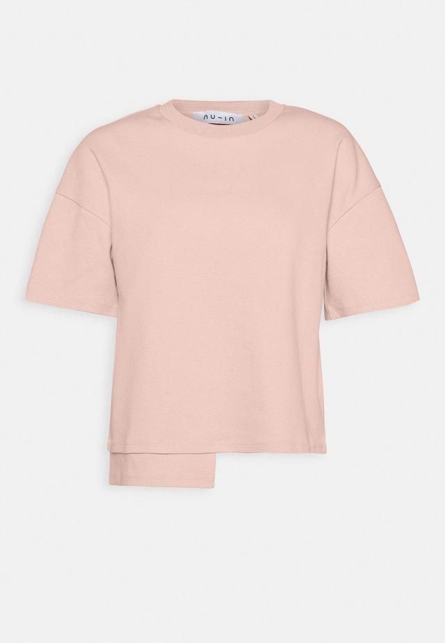STEPPED HEM FITTED - Triko spotiskem - light pink