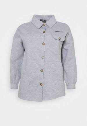 PLUS SIZE SOFT BUTTON SHACKET - Button-down blouse - grey marl