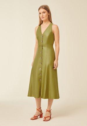 Koktejlové šaty/ šaty na párty - leaf green