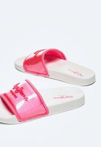 Pepe Jeans - Pool shoes - fresa - 4