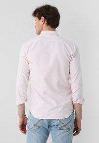 Scalpers - Shirt - pink stripes - 1