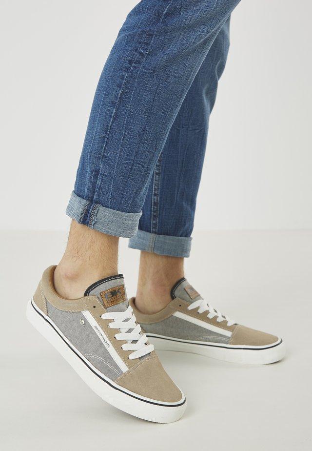 Chaussures de skate - light brown