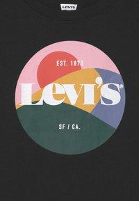 Levi's® - HIGH RISE - T-shirt imprimé - black - 2