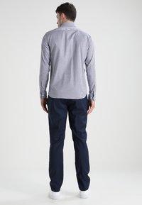 Selected Homme - SLHSLIMNEW MARK - Zakelijk overhemd - dark navy/white - 2