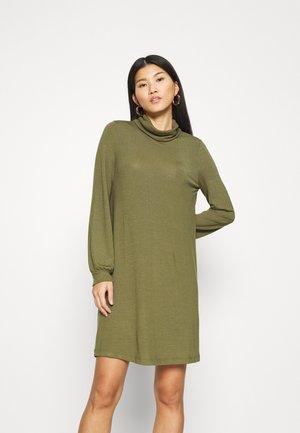 TURTLENECK DRESS - Abito in maglia - new army green