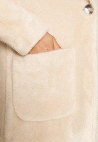 ONLY - ONLCLAIRE COAT - Zimní kabát - warm taupe - 5
