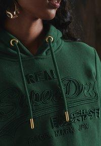 Superdry - VINTAGE LOGO TONAL EMBROIDERED - Hoodie - enamel green - 2