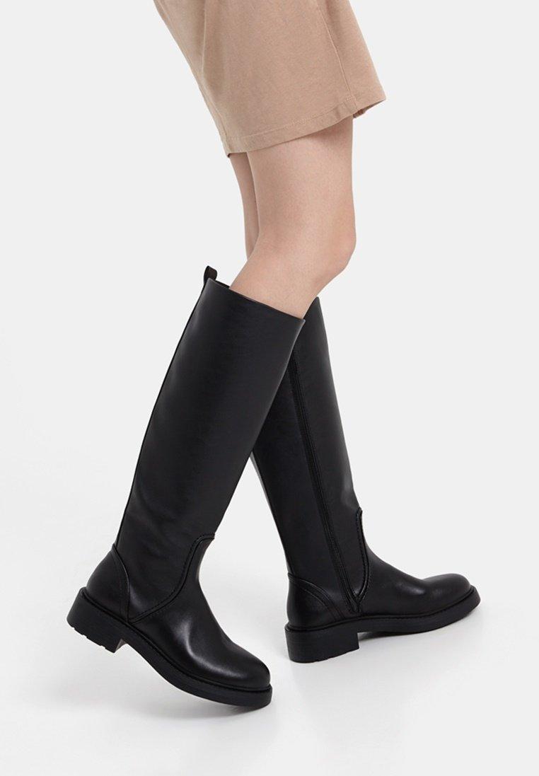 Bershka - Vysoká obuv - black