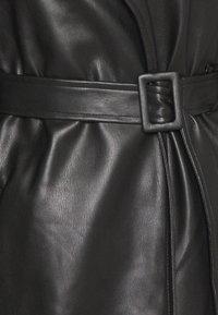 Missguided Petite - Trenchcoat - black - 2