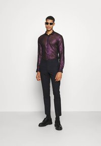 Twisted Tailor - HERBIN SHIRT - Košile - hot pink - 1