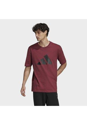 FUTURE ICONS - T-shirt med print - victory crimson