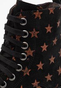 clic! - Šněrovací kotníkové boty - bronce - 5