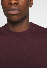 Burton Menswear London - FINE GAUGE CREW  - Maglione - burgundy - 5