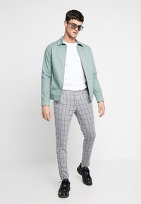 Only & Sons - ONSCARL CHECK - Trousers - light grey melange - 1