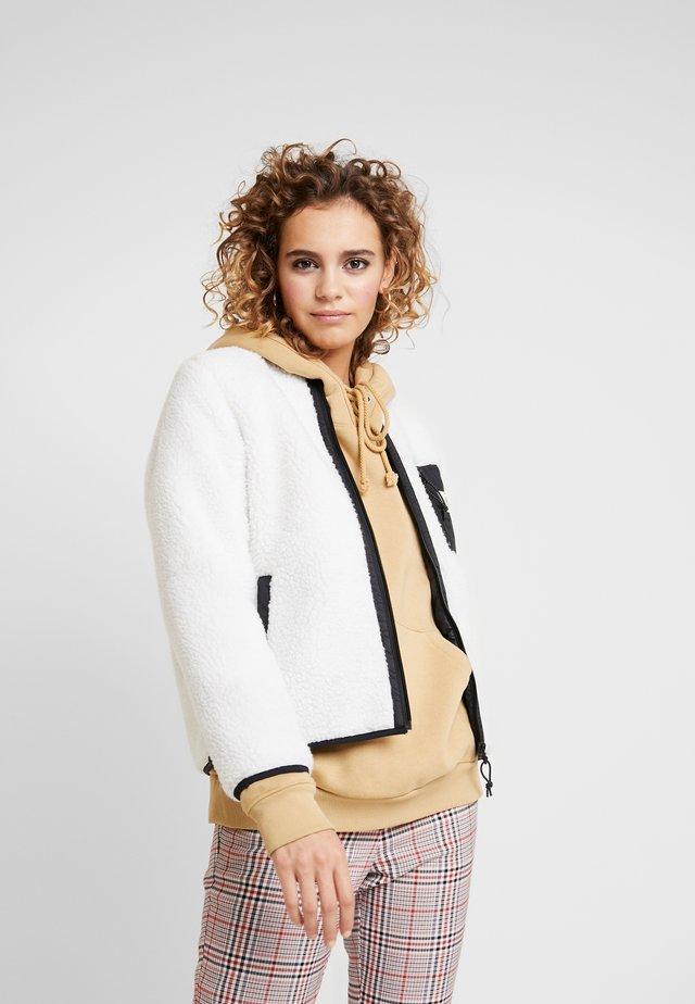 JANET LINER - Winter jacket - wax