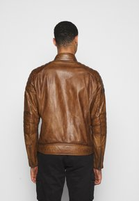 Belstaff - WEYBRIDGE JACKET - Leather jacket - burnished gold - 2