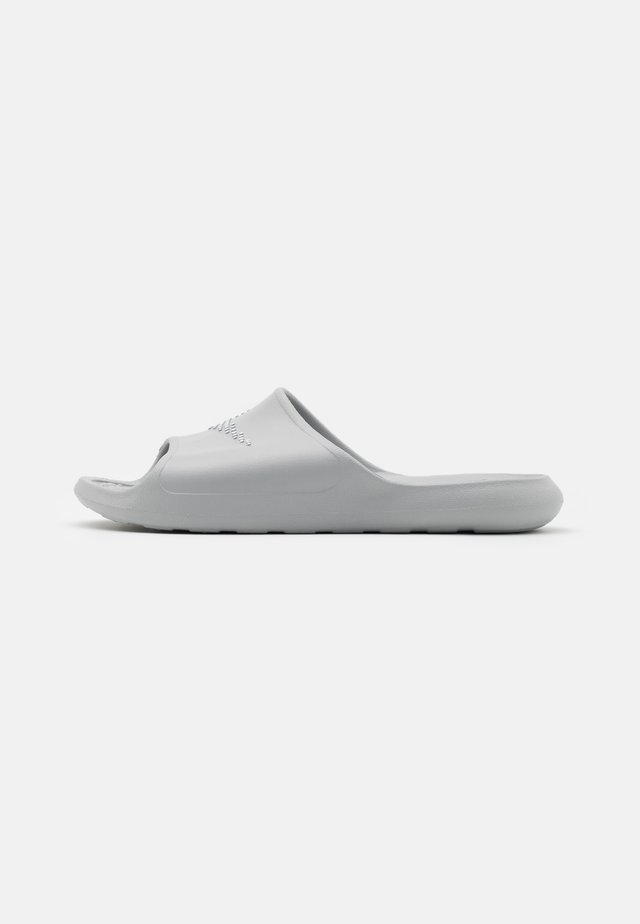 VICTORI ONE SHOWER SLIDE - Mules - light smoke grey/white
