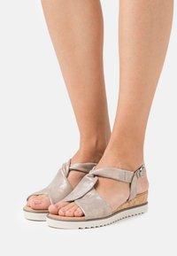 Gabor Comfort - Wedge sandals - muschel/creme - 0