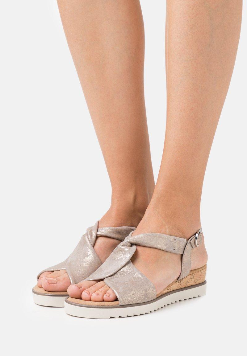 Gabor Comfort - Wedge sandals - muschel/creme