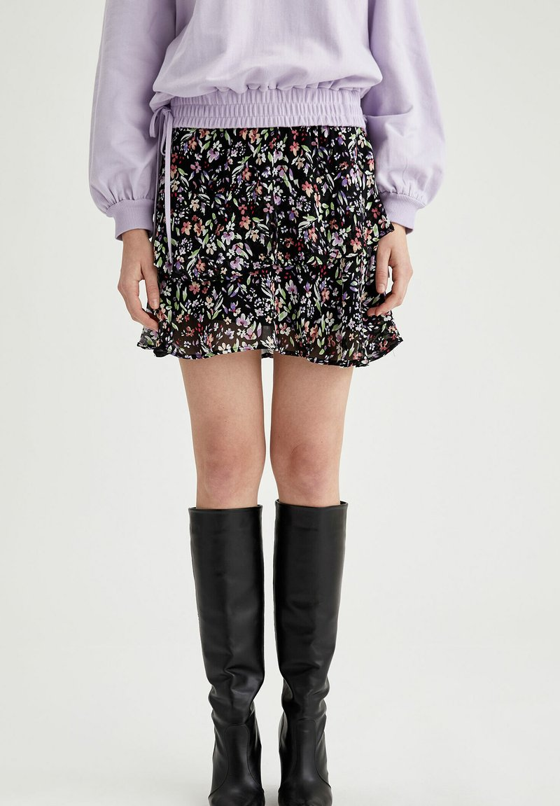 DeFacto - Mini skirt - purple