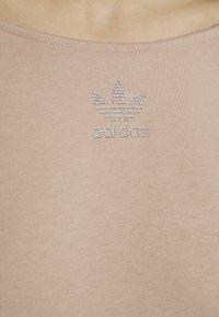 adidas Originals - SLOUCHY CREW - Sweatshirt - ash pearl - 8